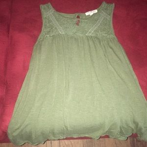 Green Tank! Lace Top!